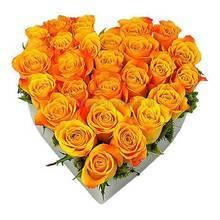 Сердце из оранжевых импортных роз
