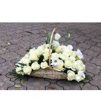 Basket of white roses and Aust in Zaporozhye