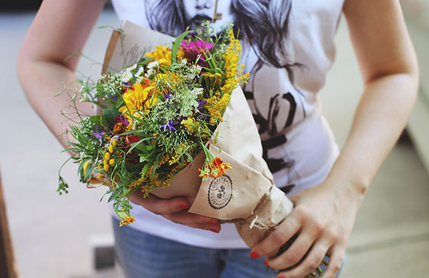 небольшой букет цветов