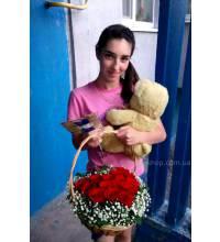 Доставка кошика троянд в Чернігів